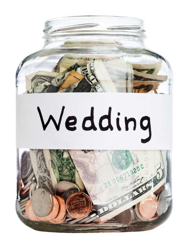 Jedem Brautpaar Ist Die Persönliche Traumhochzeit Unterschiedlich Viel  Wert. Für Einige Ist Das Gesellige Zusammensitzen Im Rustikalen Ambiente  Das Größte, ...